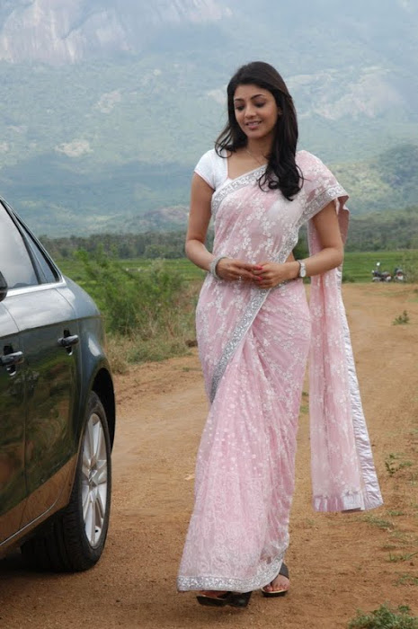kajal agarwal looking in saree actress pics