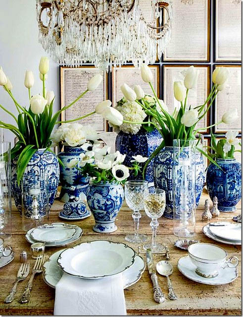 Roses and rust in blue and white - Wonderful antique dining room ideas elegant supper time ...