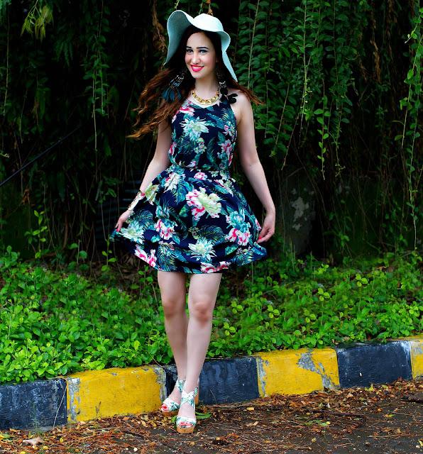 VERO MODA Floral Top, Floral Skater Skirt, Resort Wear, Sun-hat, H&M Tropical Print Block Heels