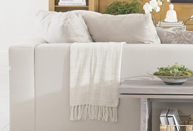 Tu organizas sof protegido e aquecido com mantas - Mantas sofa primark ...