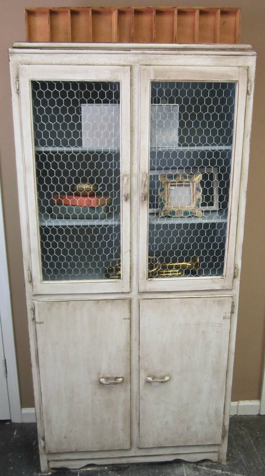 Vintage Finds: Chicken Wire Cabinet