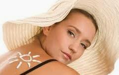 memutihkan kulit yang terbakar sinar matahari 10 Cara Alami Mengatasi Kulit Terbakar Sinar Matahari