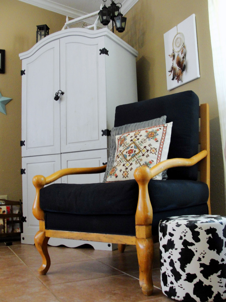 Homefront: Spray Painting An Upholstered Chair Makeover