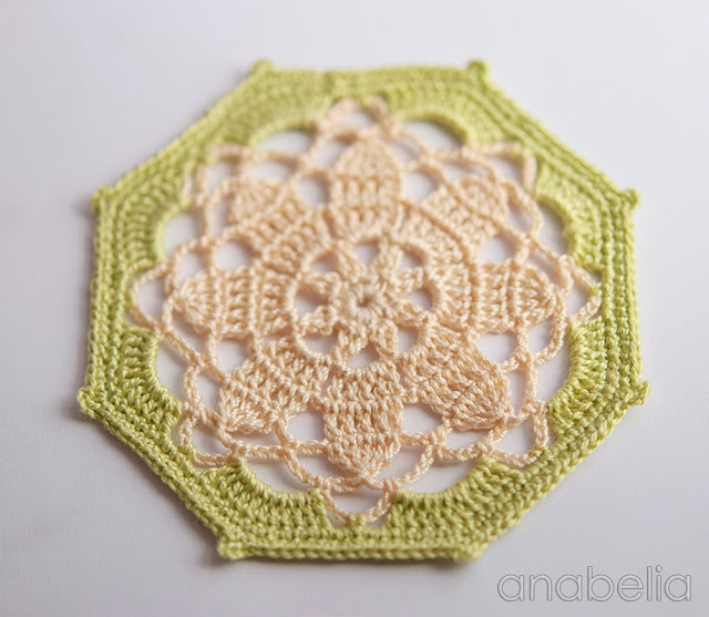 Crochet coaster beige green model by Anabelia