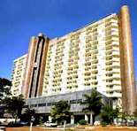 O NOVO GERENTE DO HOTEL . . . . . .  Fernando Saint-Clair