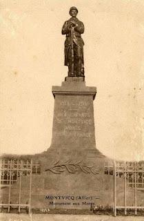 CPA monuments aux Morts, Montvicq, Allier