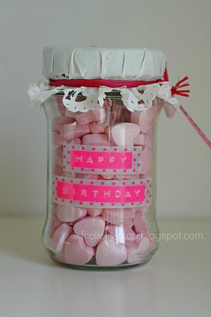 Geschenk im Glas, Glück, Geburtstagsgeschenk, Brause, Brauseherzen, Geschenkidee, Upcycling, DIY, Frigeo, Feine Billetterie
