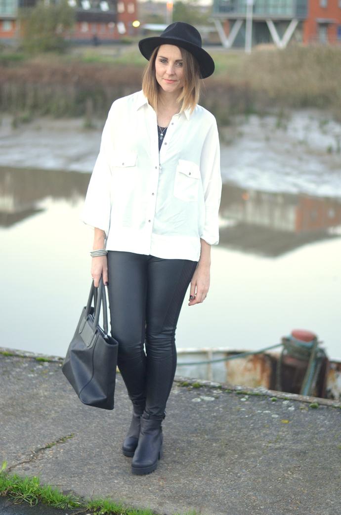 REPERTOIRE-CLOTHING