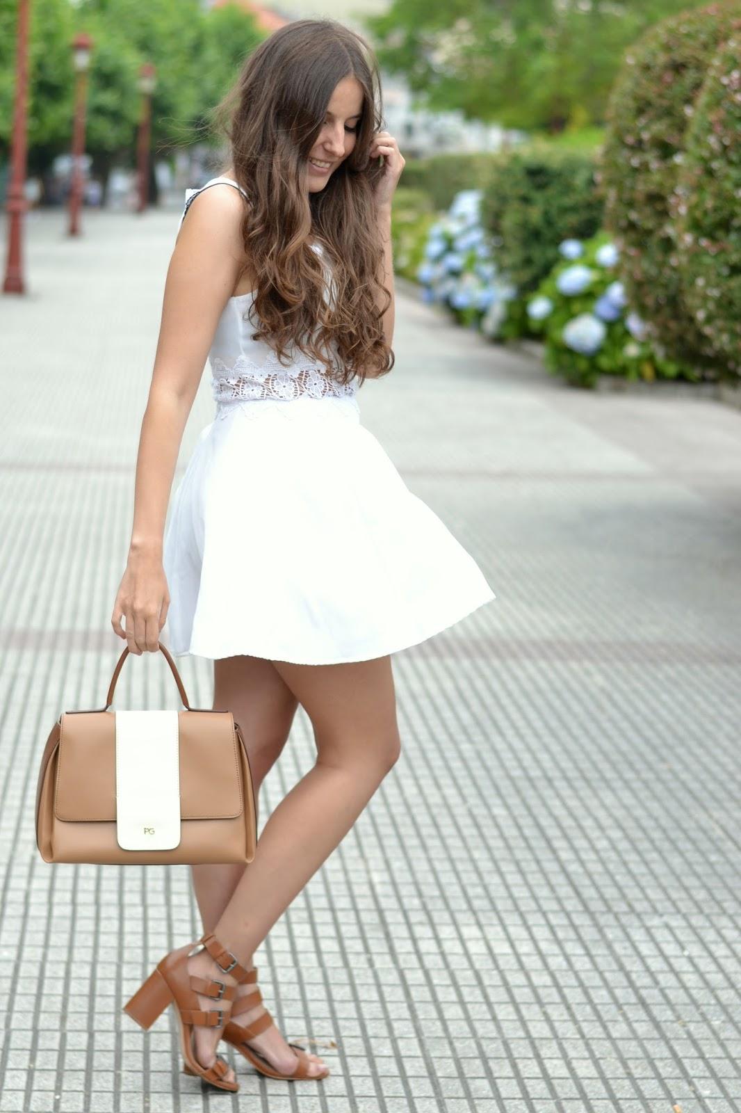 Combinar vestido blanco