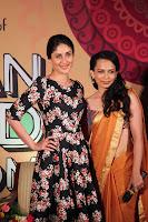 Kareena Kapoor at the unveil of Rujuta Diwekar's DVD