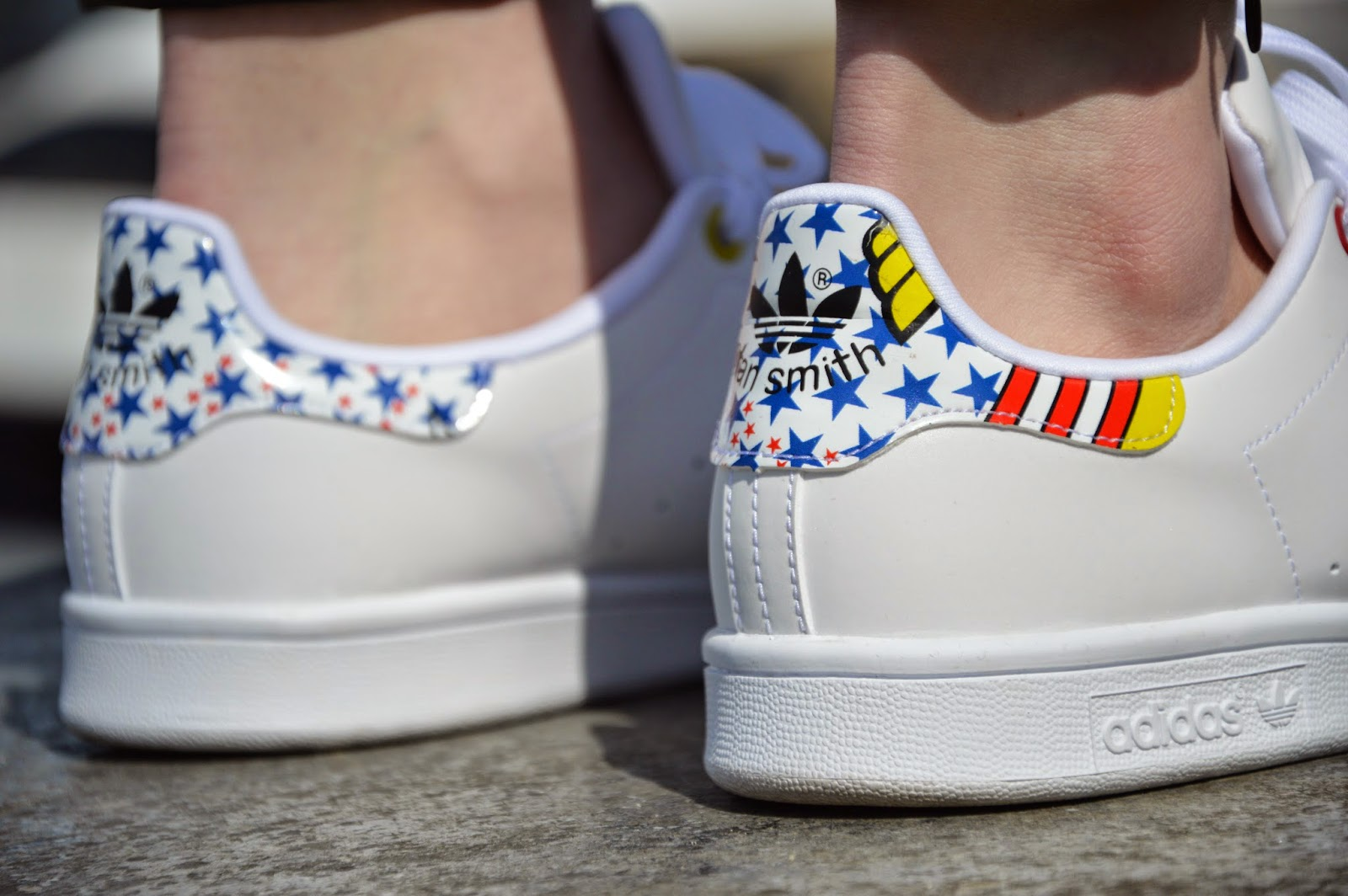Summer is on it's way, so I can finally wear my new sneakers. I guess we all love adidas Stan Smith and everyone has his or her pair. Thank you Rita Ora ...