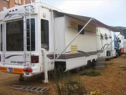 burguscircus belle caravane semi am ricaine vendre. Black Bedroom Furniture Sets. Home Design Ideas