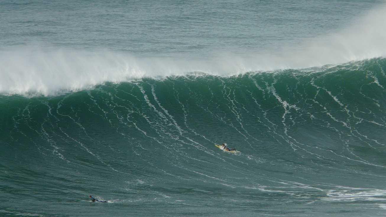 surf menakoz diciembre 2015 olas grandes 14