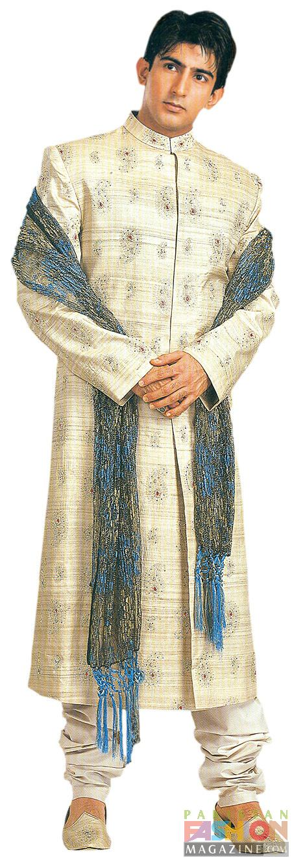 Churi Stand Designs : Pakistani fashion modest dulha dresses