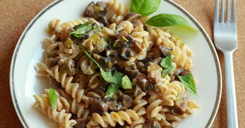 SlimmingEater: Cheesy mushrooms pasta