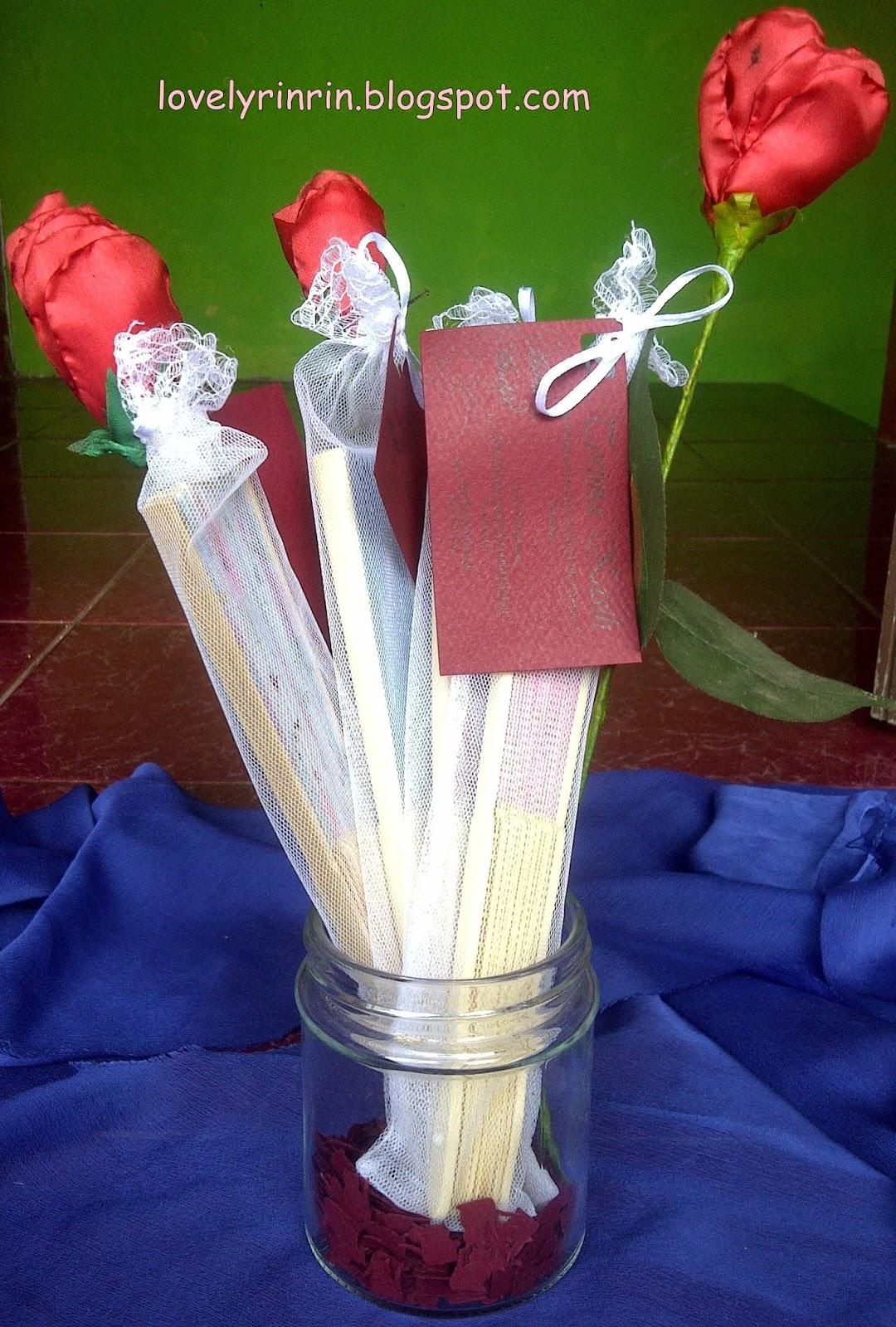 Lovely Rienz Souvenir Pernikahan Kartu Ucapan Terima Kasih Gue Iket Iketin Di Dibantu Sama Ade Termasuk Bolongin Cuma Peda Dari Yang Lain