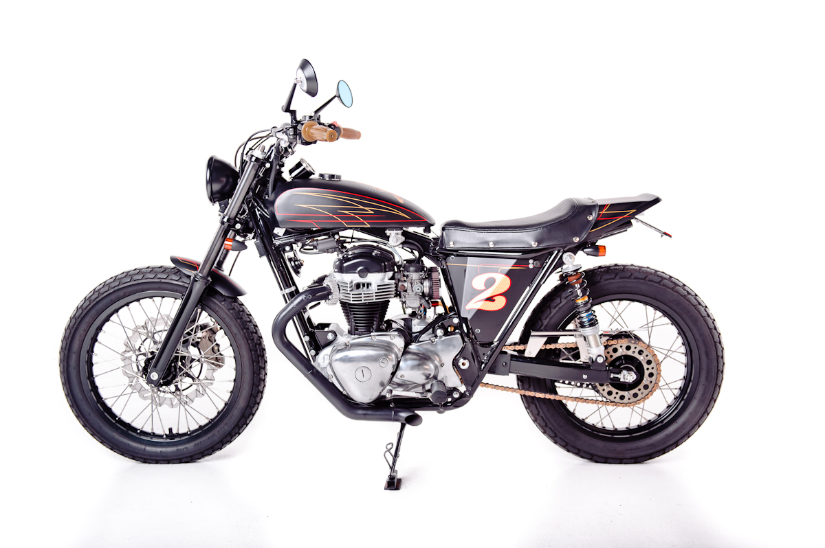 racing caf kawasaki w650 street tracker by garage project motorcycles. Black Bedroom Furniture Sets. Home Design Ideas