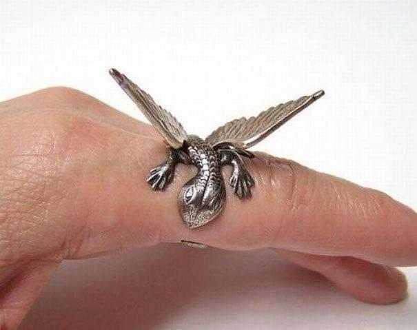 cincin bentuk naga kecil