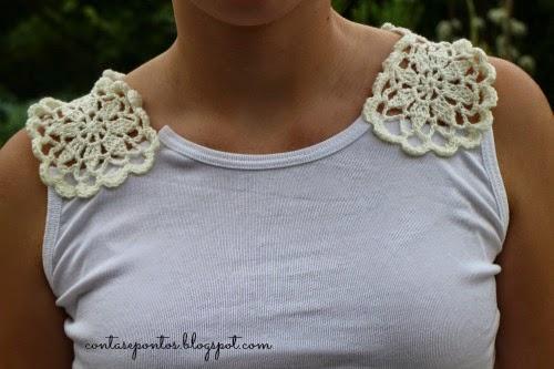 Camisola com aplicações de flores em crochet - Desafio de verão