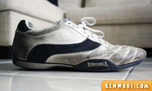 lonsdale old shoes side