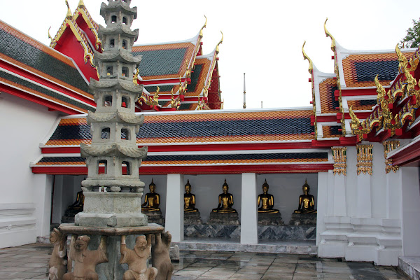 Estatuas de budas en Wat Pho Bangkok