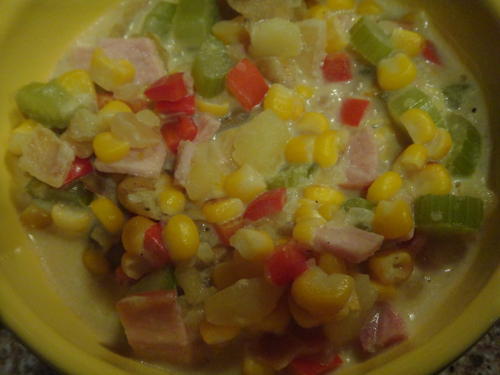 yOuR liTtLe BiRdiE: Corn, Bacon and Potato Chowder