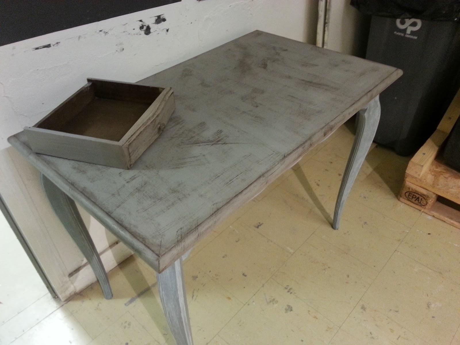 Peinture sur meuble table shabby chic cours de for Peinture sur meuble