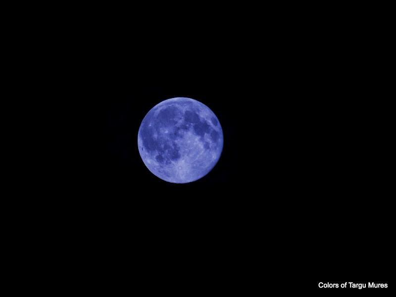 Luna albastra, Tg. Mures