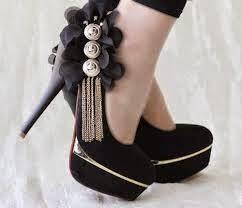 حذاء الكعب العالي: أناقة هائلة و أضرار لا تحصى