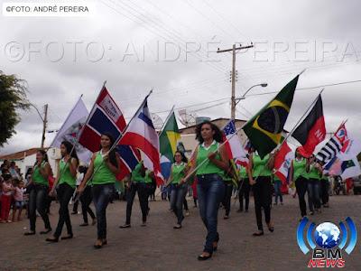 Desfile cívico em homenagem aos 57 anos de Emancipação Política de Barra do Mendes