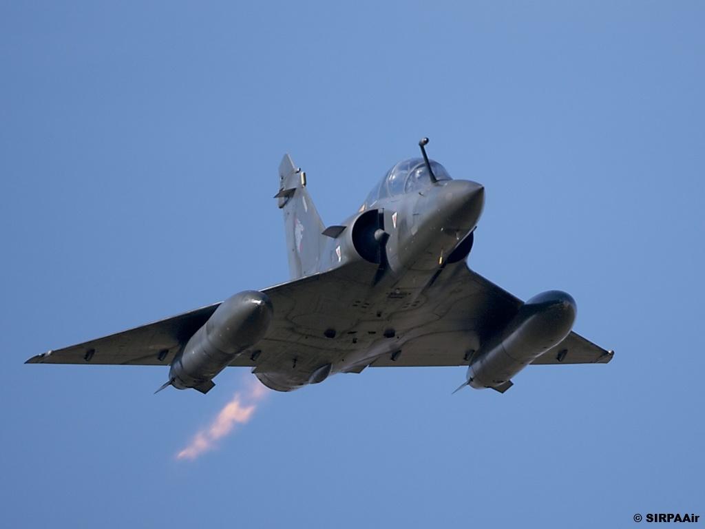http://3.bp.blogspot.com/-AzhUry1OX-0/TjOrm4fjNfI/AAAAAAAAHsA/lw1jh-N2h2k/s1600/Dassault+Mirage+2000D+%25282%2529.jpg