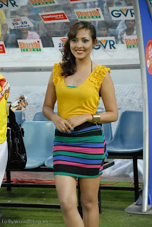 Madhu Shalini at CCL 2 Final Wearing Spicy mini skirt
