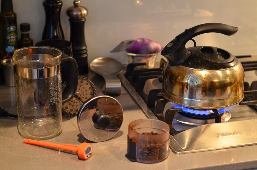 coffee grinder, make coffee, kopi luwak, drink coffee, make coffee at home, coffee tips, coffee machine, coffee makers, coffee brewing, coffee lovers, coffee aroma, organic coffee, cafe