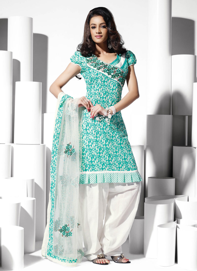 Indian Salwar Kameez | Salwar Kameez Fashion in India - Specialist ...