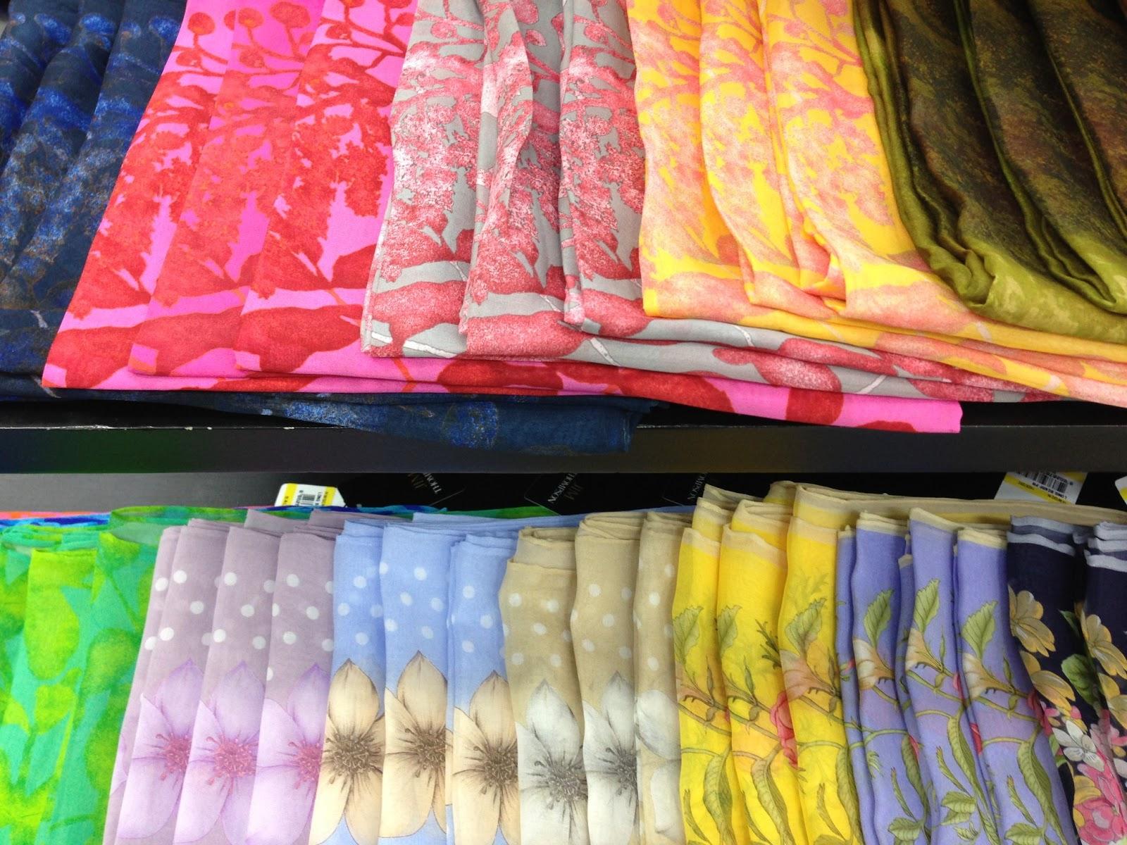 Aswana cliche bangkok jim thompson silk house for Thai silk jim thompson