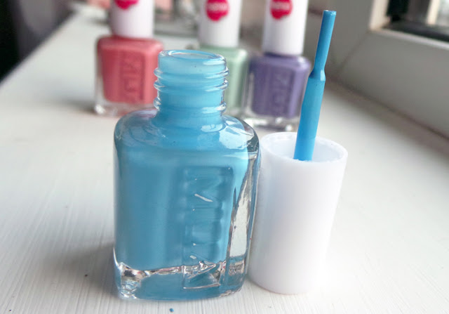 NEW MUA Nail Polish Bold Blue