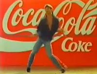 """Propaganda da Coca-Cola em 1989 para fortalecimento do slogan """"Emoção Pra Valer""""."""