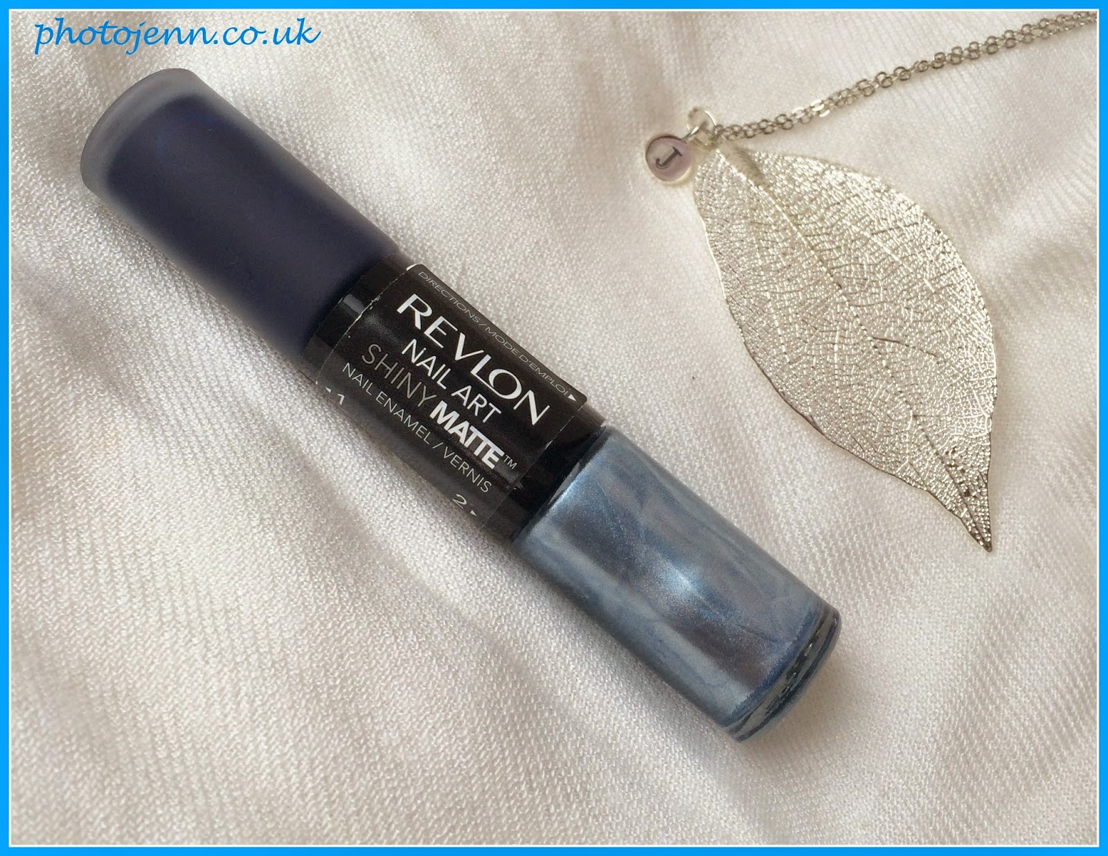 blue-Pinstripe-nails-Revlon-shiny-matte-510