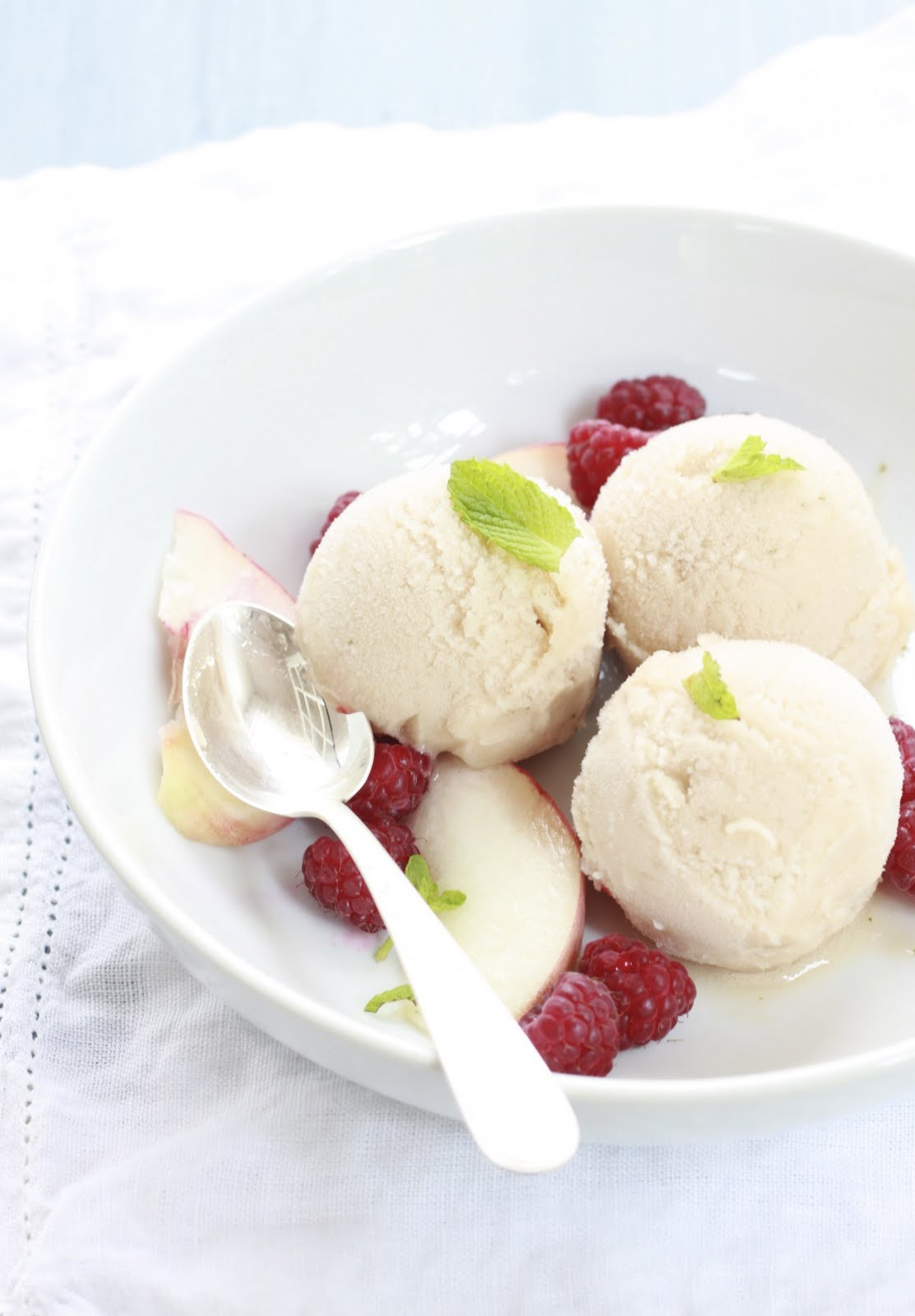 Epicurean Mom: White Peach and Spearmint Sorbet