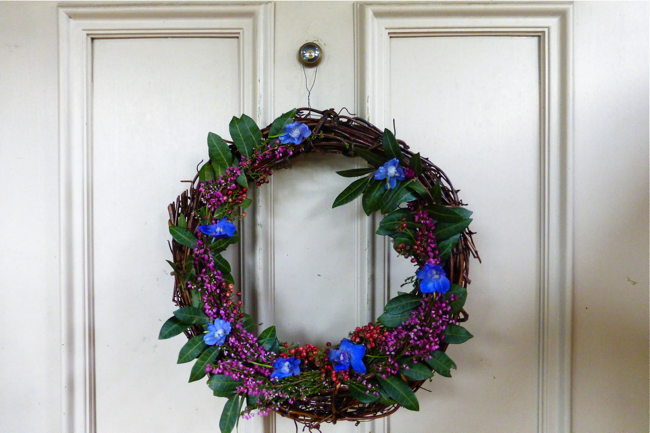 styling the seasons november, styling the seasons, wreath, fresh flower wreath