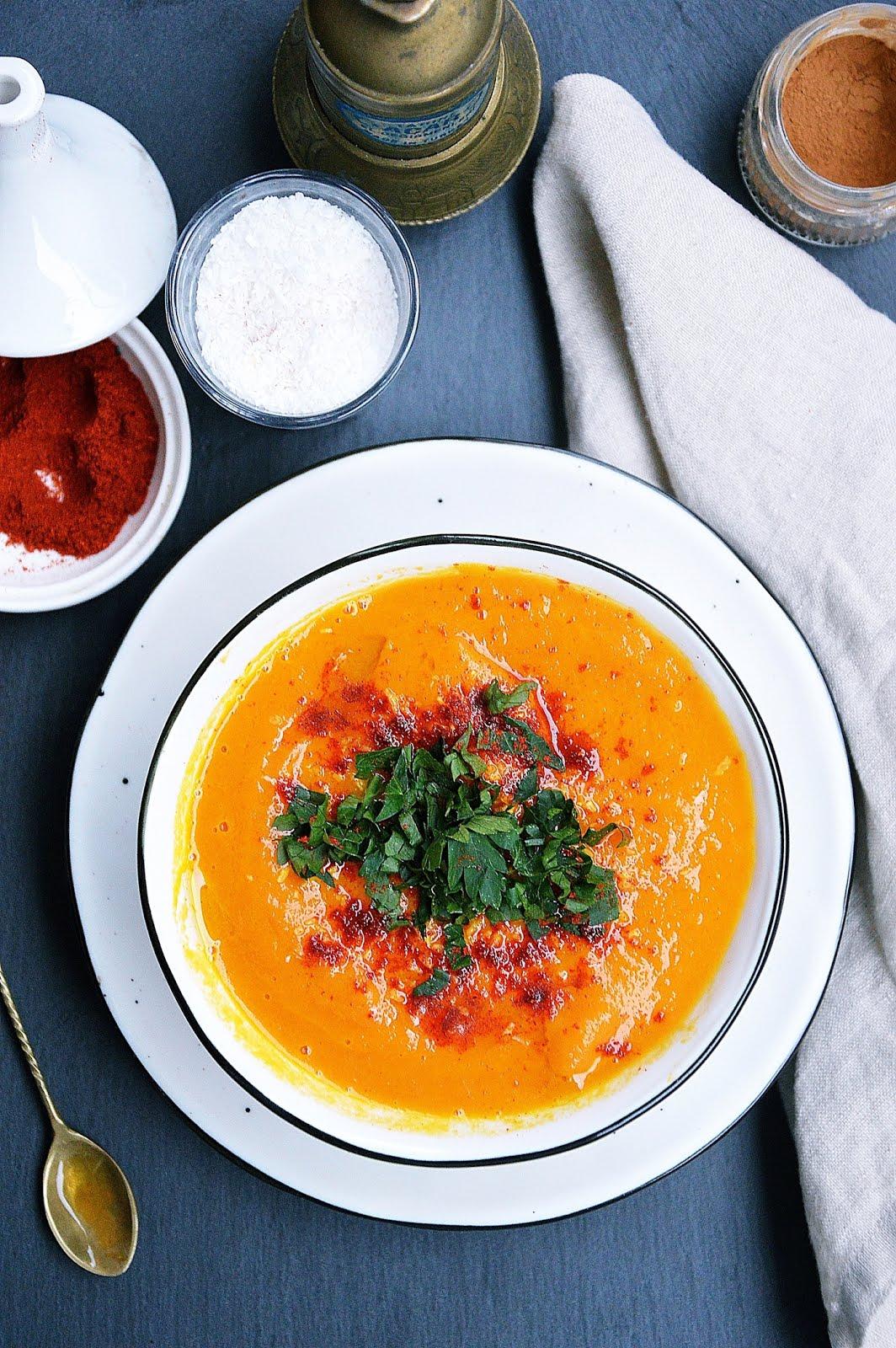 Zupa krem z marchwi z wędzoną papryką