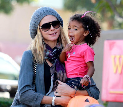 1320412546 heidi klum lou lg Heidi Klum with daughter Lou
