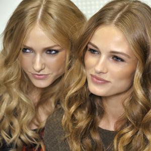8 ἔξυπνες συμβουλὲς για να μακρύνουν τὰ μαλλιά σου