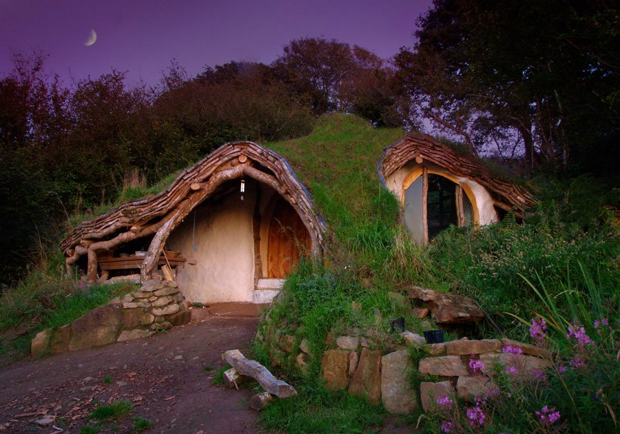 Simon Dale's Web Famous Hobbit Home