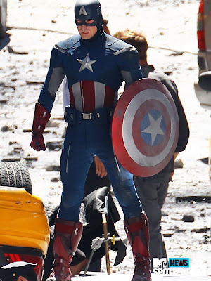 "The Avengers First Look: Chris Evans as ""Modern"" Captain America"