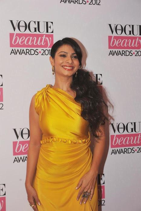 kajoltanisha mukhrjee at vouge beauty award. hot images
