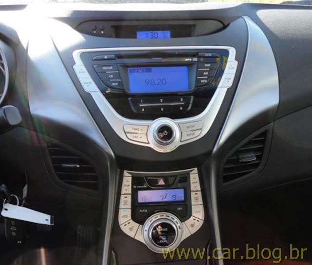 Hyundai Elantra 2012 GLS 1.8L Automático - painel - console central