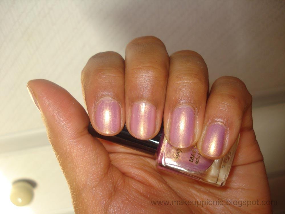 Max Factor Effect Mini Nail Polish Sunny Pink
