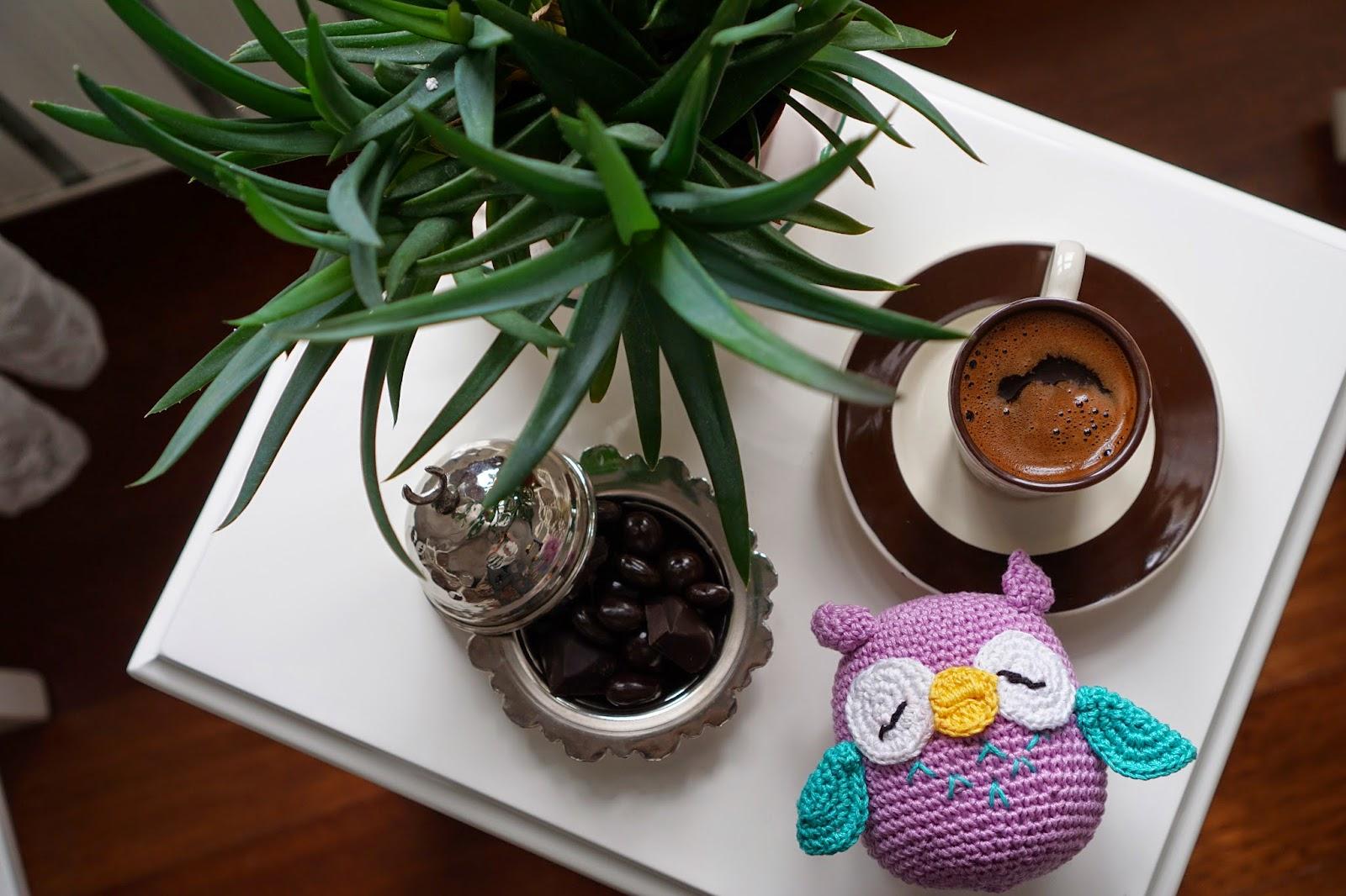 Turk kahvesi yaninda cikolata + amigurumi oyuncak