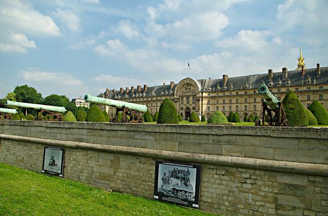 Musee de l'Armee poze Paris photos